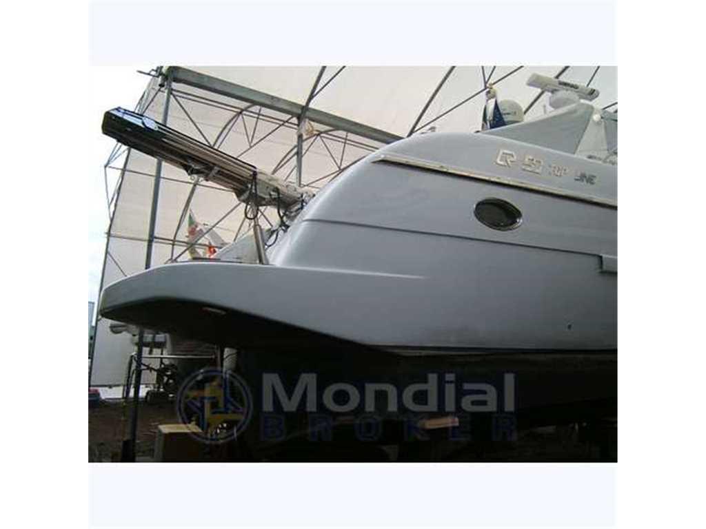 T t yacht broker