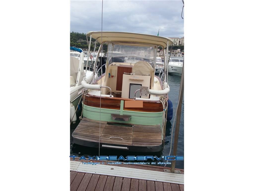 Nautica tirrenia gozzo viveur 850 cabin usato del 2009 vendita nautica tirrenia gozzo viveur - Bagno hoasy tirrenia prezzi ...