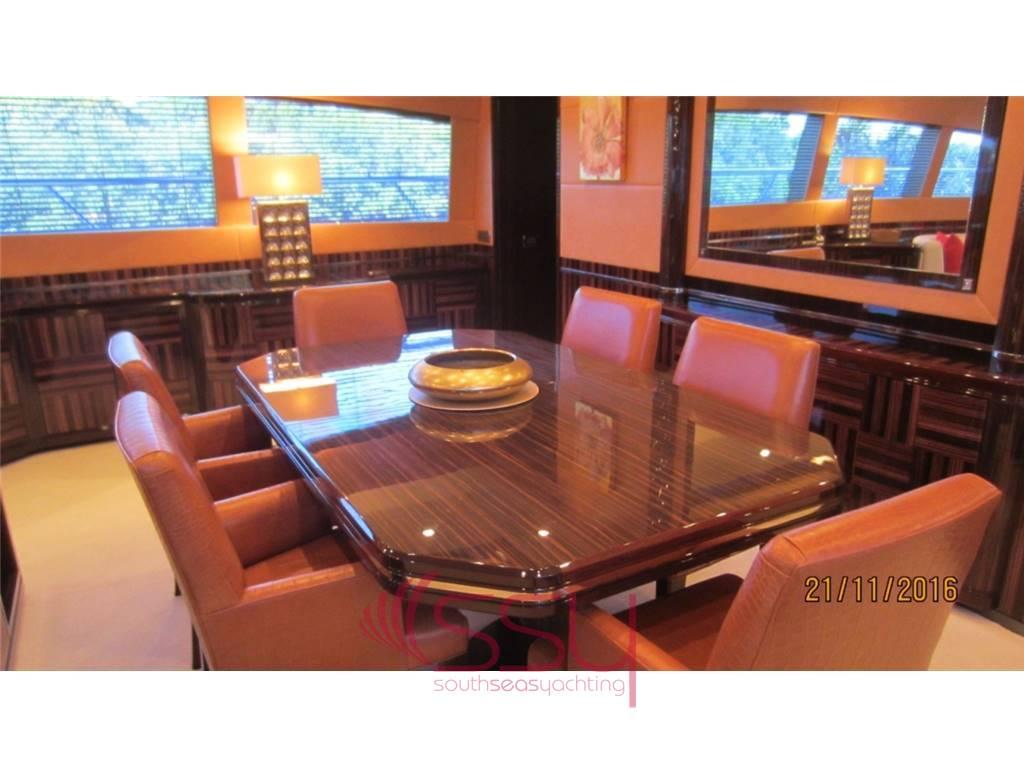 overmarine mangusta 130 usato del 2007 vendita overmarine mangusta 130 annunci barche e yacht. Black Bedroom Furniture Sets. Home Design Ideas