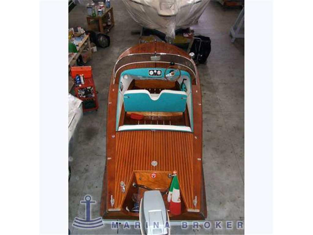 Colombo 22 run boat usato del 1957 vendita colombo 22 run for Colombo maniglie listino prezzi