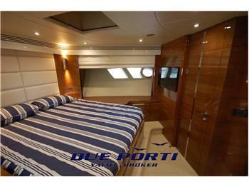 Sunseeker 80 Sport Yacht