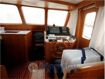 Ocean Asia Inc. Trawler OAJX-3900 Sedan