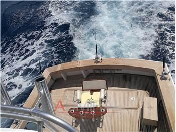 Viking Yachts 50' Convertible