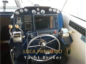 Tiara Yachts 3100 Coronet