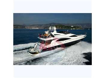 Sunseeker Yacht 90 fly