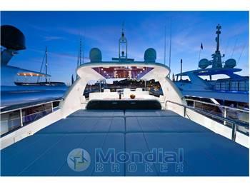 Yacht 25 metri