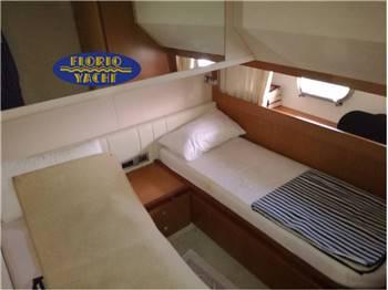 Ferretti 681