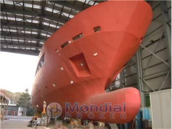 Unfinished yacht - 40m