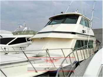Hatteras yachts - 65 enclosed bridge