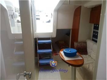 Pershing 37 cabin
