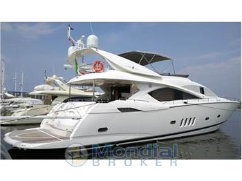 Sunseeker - Manhattan 82