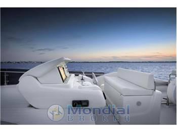Ferretti Yachts 650 Fly