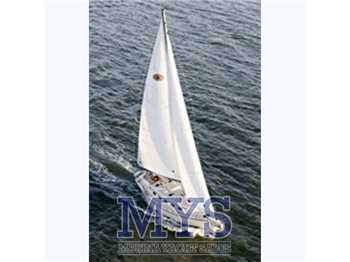 Island packet yacht - Estero