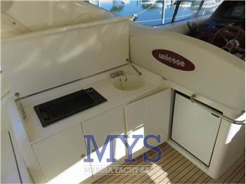 Uniesse Marine 48' Hard Top
