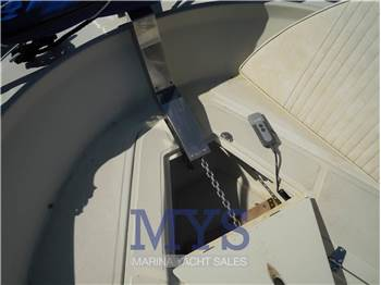 Boston Whaler OUTRAGE 25