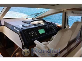 Princess Yachts V 70