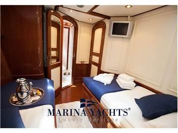 Hely Yachts 35 mt Lauren