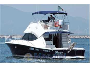 Riviera Marine - 45 Flybridge