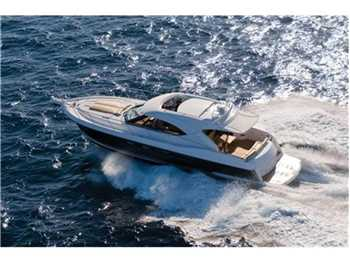 Riviera Marine - 4400 Sport Yacht