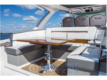 Tiara Yachts 38 LS Sport