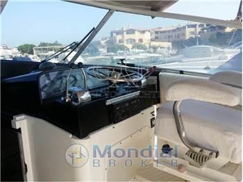 Bertram Yacht 38' Riviera