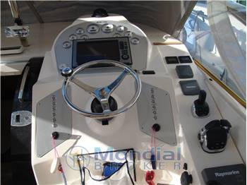 MANO MARINE - 35 HARD TOP