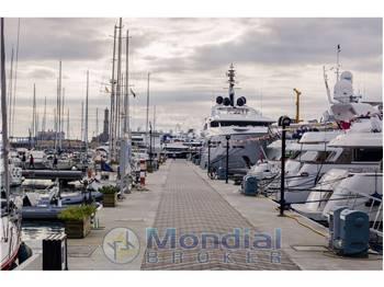 Marina_Porto_Antico_-_001.jpg
