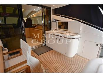 Princess Yachts V62