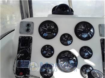 Pursuit 2670 Cuddy Center Console