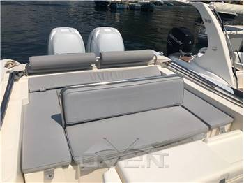 Joker Boat 30 Clubman 30 center consolle