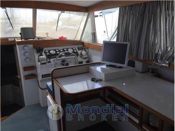 Marine International Caribbean 32