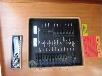 Luhrs 310XF