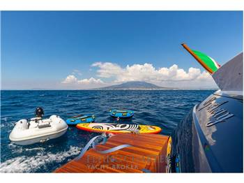 Uniesse Marine 65 Sport