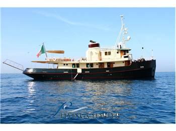 Benetti - Luxury tug boat