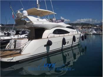 Cayman  Yachts - Cyber 62