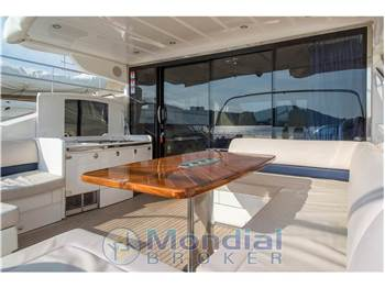 Princess Yachts V 70