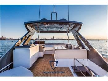 Ferretti Yachts 670