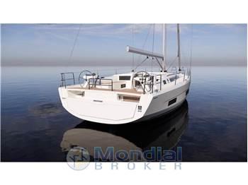 Dufour Yacht 470