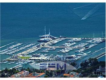 marina-porto-mirabello-dbg-charter.jpg
