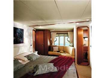 Ferretti yachts - 681