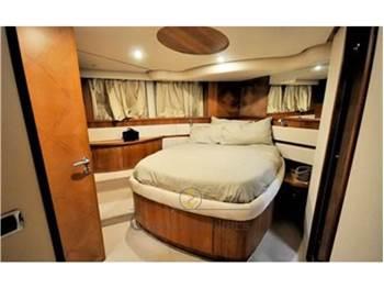 Aicon Yacht 56 Fly