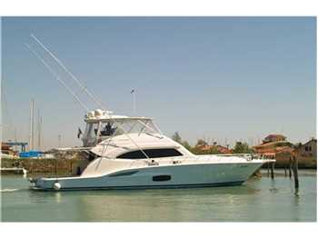 Bertram Yacht - 700 Convertible