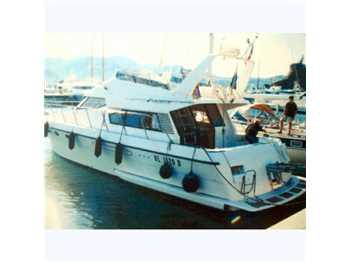Asia boat - Aquarius 500