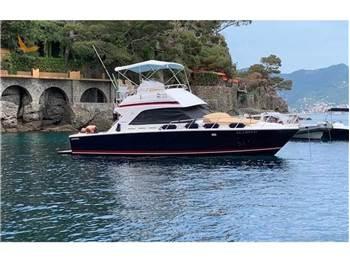 Bertram Yacht - 36' Convertible