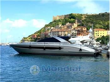 riva yachts vendita barche e yacht riva usate nuove e. Black Bedroom Furniture Sets. Home Design Ideas