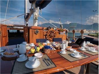 Ege Yachts Customs 98'