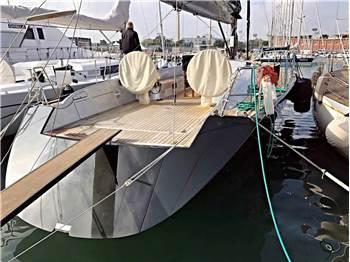Maxi Dolphin - Maxi Dolphin 65'