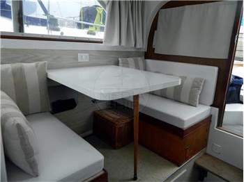 Bertram Yachts Bertram 28 Fly